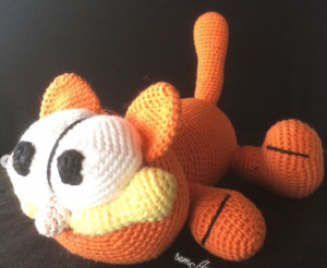 Garfield amigurumi. Patrón gratis en http://amigurumies.blogspot ... | 246x300